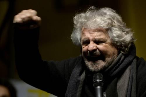 """Insulto choc di Grillo a Roma: """"Virgì, via da sta gente de fogna"""""""