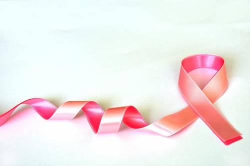 Tumore al seno, dieta mima-digiuno migliora la risposta alla chemio