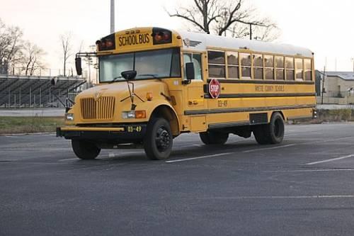"""Cina, autista di un bus compie strage di liceali per """"vendetta contro la società"""""""