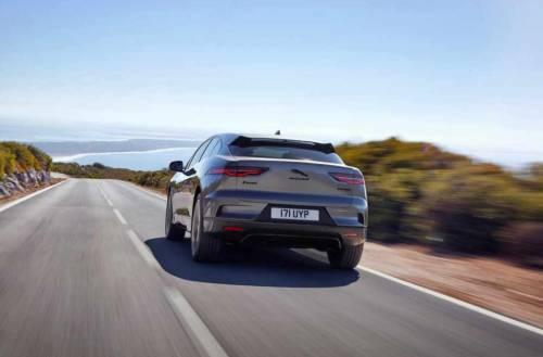 Mobilità post Covid-19: la propria auto è il mezzo più sicuro per spostarsi
