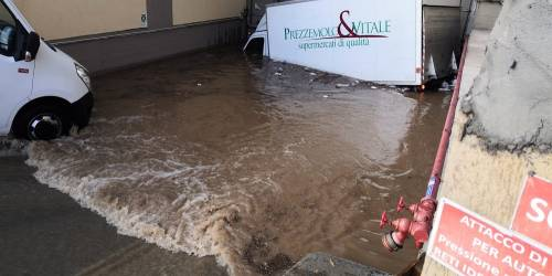 Nubifragio, Palermo in tilt: e nei sottopassi muoiono annegate 4 persone 7