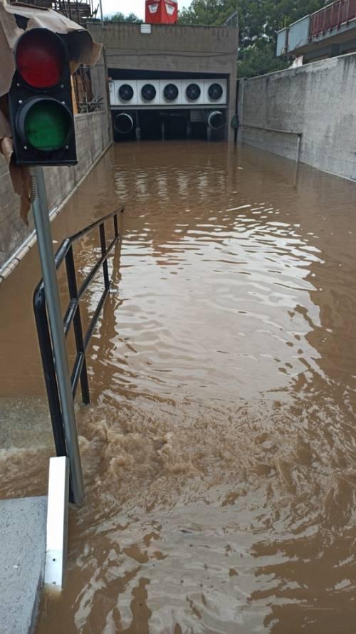 Nubifragio, Palermo in tilt: e nei sottopassi muoiono annegate 4 persone 8