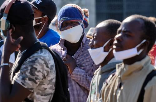 Migranti fuggiti da quarantena: alloggiavano in un agriturismo