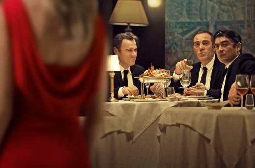 """Scamarcio e Mastandrea giocano a fare """"Gli infedeli"""" su Netflix"""
