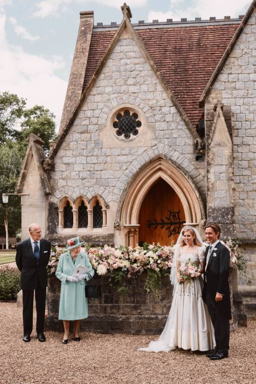L'abito e il bouquet da sposa della Principessa Beatrice