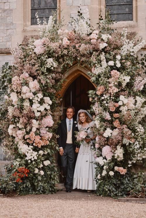 Principessa Beatrice, matrimonio con il vestito in prestito