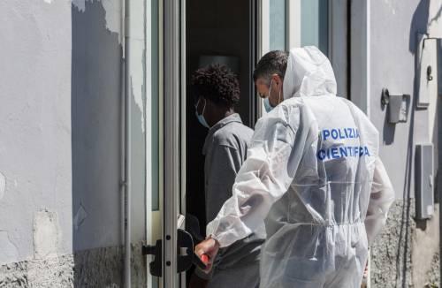 Fughe di migranti contagiati. Cresce la paura in tutta Italia