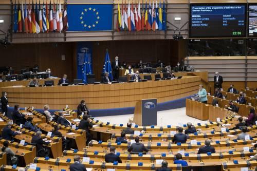 Adesso è caos sul Recovery: Parlamento Ue blocca i fondi