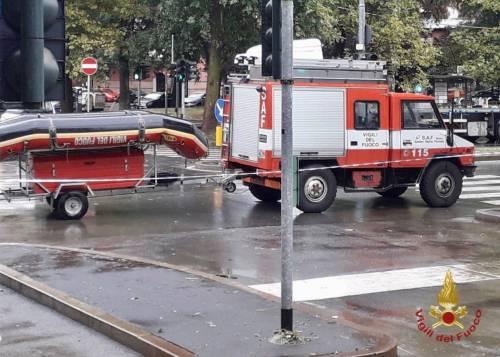 Vigili del fuoco impegnati nella notte per le forti piogge su Milano 2
