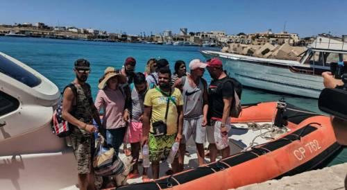L'ultimo trucco dei tunisini: fingersi turisti per sbarcare