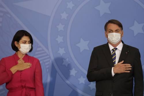 "Bolsonaro choc: ""Sono sotto antibiotici, ho la muffa nei polmoni"""