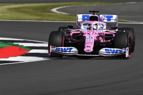 A Silverstone sta meglio Perez delle due Ferrari