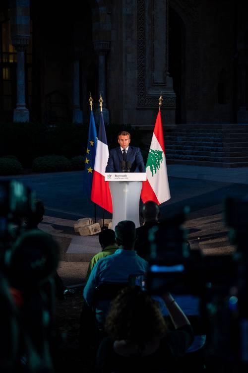 Il Libano chiede soccorsi ma scoppia la protesta. Morta anche un'italiana