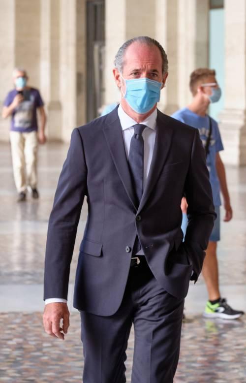 """""""Contratto per milioni di dosi"""". Ma il governo stoppa il Veneto"""