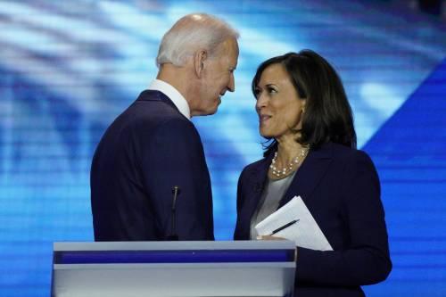 """Biden e Harris, inizia la corsa Trump: """"Disastro per gli Usa"""""""