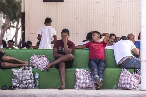 Numeri drogati dai migranti: ecco tutta la verità sui contagi