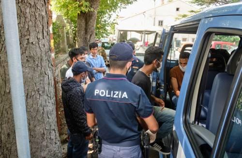 Undici arresti e le condanne Ma l'incubo degli agenti è libero