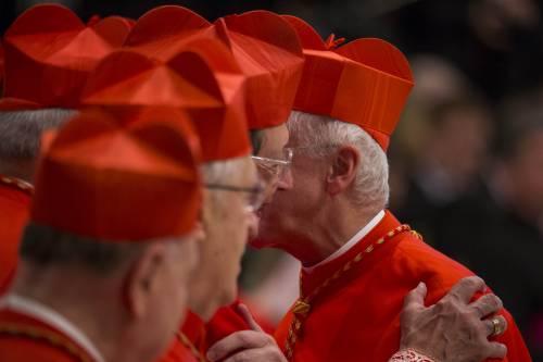 """""""Scossa"""" del Papa sui cardinali: l'ultima novità nei Sacri Palazzi"""