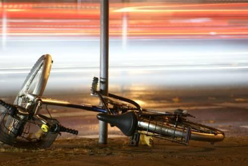 Quindicenne ucciso in bici da un pirata. Poi l'uomo del pick-up si costituisce
