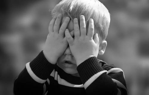 Il coronavirus nei bambini: quanto si ammalano e quanto contagiano