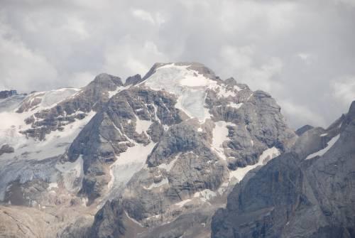 """Marmolada, il ghiacciaio verso l'estinzione: """"Tra quindici anni potrebbe non esistere più"""""""