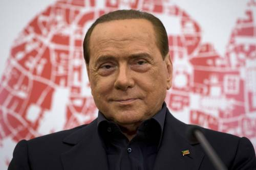 """Berlusconi, dimissioni vicine  """"Perché io ancora ricoverato?"""""""