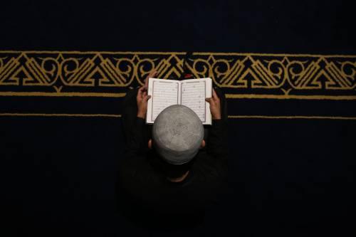 Pakistan, cristiano rifiuta pressioni del suo capo per aderire all'islam: condannato a morte per blasfemia