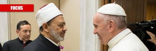 """L'abbraccio del Papa all'islam: """"Ecco cosa accadrà all'Europa"""""""