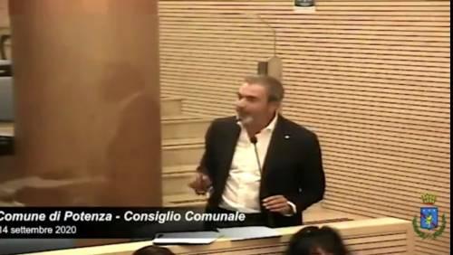 """Il consigliere comunale di Potenza sulla legge Zan: """"L'omosessualità è contro natura"""". Poi si scusa"""