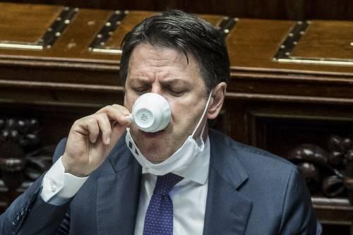 """""""Soldi Ue? Taglieremo le tasse"""". Ma è la """"grande balla"""" di Conte"""