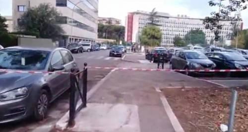 In foto, il complesso abitativo del quartiere Eur dove c'è stato il tentativo di furto