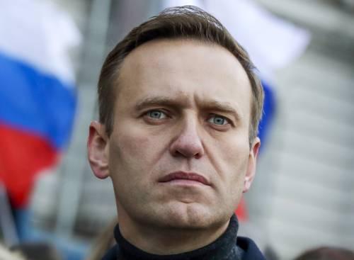 """""""La Merkel in ospedale da Navalny"""". È sfida a Putin, con i dubbi sul gasdotto"""
