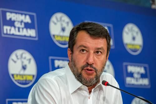 """Il duro sfogo di Salvini: """"Hanno preso il telefono con le foto di mia figlia"""""""