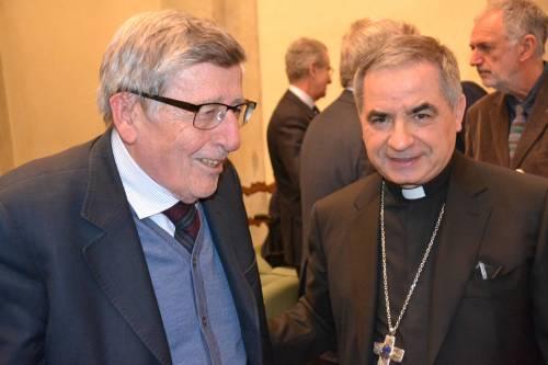 """Vaticano, lady Becciu libera: """"Un attacco contro di me"""""""
