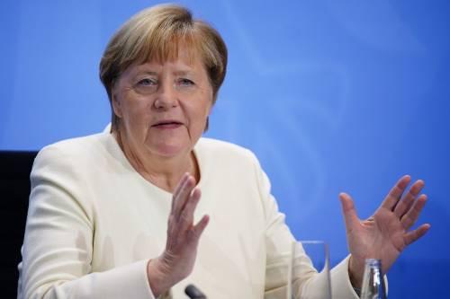 """Via ai test rapidi nelle scuole. Merkel: """"Le vacanze? In Italia"""""""