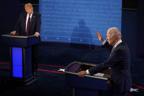 """Fra Trump e Biden insulti e minacce: """"Peggior dibattito della storia Usa"""". Ora nuove regole per le sfide in tv"""