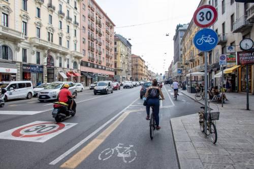 """Il no alla ciclabile """"trappola"""" La protesta in via Saint Bon"""