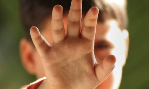 """Condannato patrigno che uccise bimbo di 2 anni perché si era """"fatto pipì sotto"""""""
