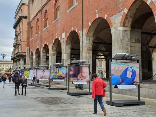 """A Milano la mostra fotografica """"Il futuro è guardare oltre"""""""