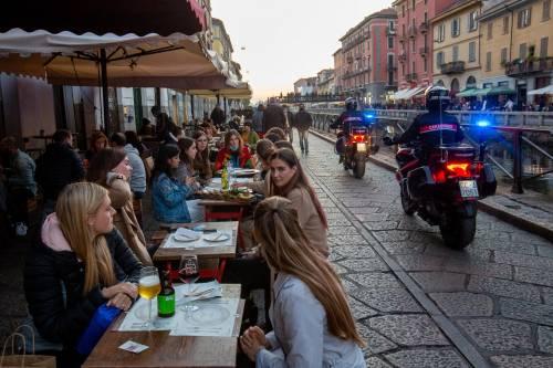 Coprifuoco e massimo 6 persone al tavolo del ristorante: verso un'altra stretta