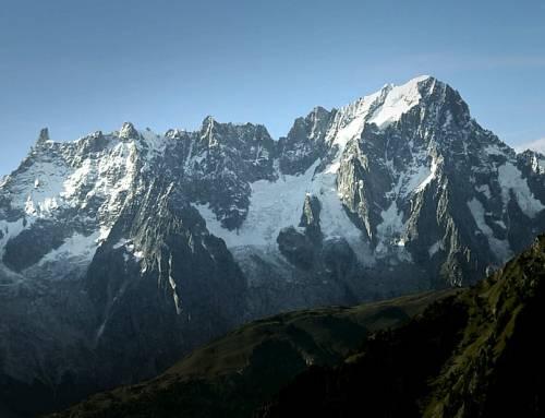 """La Francia """"invade"""" il territorio italiano: così si prende il Monte Bianco"""