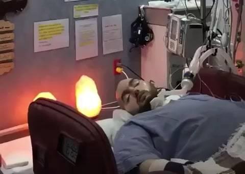 Arabia Saudita, il caso del principe in coma che risponde ai saluti