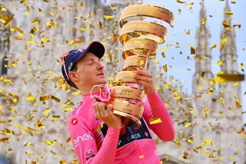 Razzo Ganna illumina Milano nel Giro della meglio gioventù