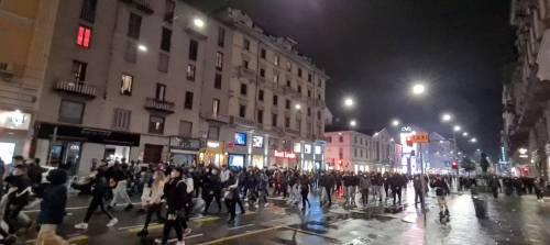 Alta tensione in piazza: disordini a Torino e Milano 8