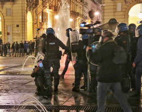 Alta tensione in piazza: disordini a Torino e Milano 7