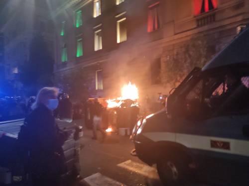 Cariche e scontri tra polizia e antagonisti a Roma 2