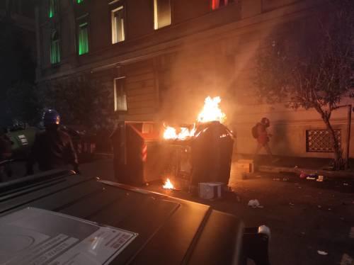 Cariche e scontri tra polizia e antagonisti a Roma 5