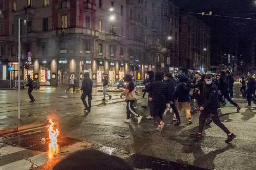 Guerriglia di Milano: la mano degli anarchici
