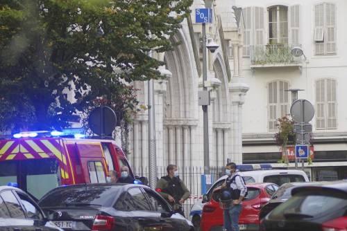 """""""Allah akbar"""". Orrore a Nizza: decapitazione nella cattedrale"""