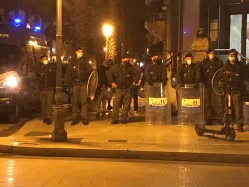 Taranto, la manifestazione anti-lockdown 3